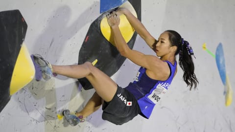 スポーツクライミング世界選手権:女子複合決勝、野口啓代が得意のボルダリングで1位に…暫定2位でリードへ
