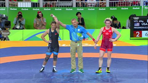 Maryia MAMASHUK (BLR) besiegt Elena Sergey PIROZHKOVA (USA), 3-2