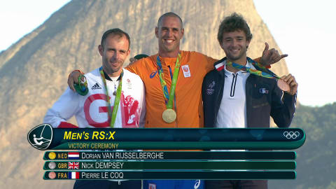 Van Rijsselberghe centra l'oro nel windsurf classe RS:X