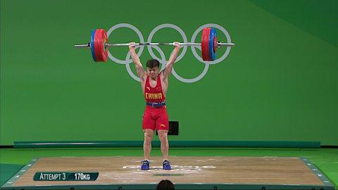Long mejora el récord del mundo en levantamiento de peso