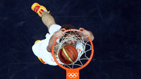 Gasol dunks against USA in London