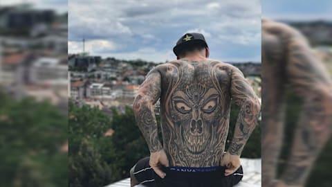 Échale un vistazo a los tatuajes en el cuerpo de Logan Martin