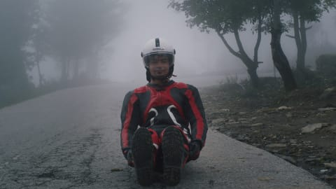 Lenda do luge indiano treina para PyeongChang em estrada dos Himalaias