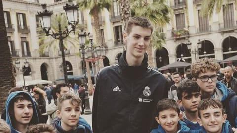 Canada's new basketball prodigy Olivier Rioux: 13 years old, 2.18m tall, shoe size 20
