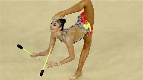 【新体操個人】世界選手権3日目 3種目目の「クラブ」を終えて、皆川夏穂は総合10位、大岩千未来は総合17位