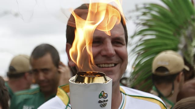 Olympic Torch Relay begins final leg in Rio