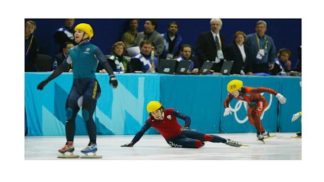 Instantané : Et Steven Bradbury glissa vers la gloire olympique éternelle