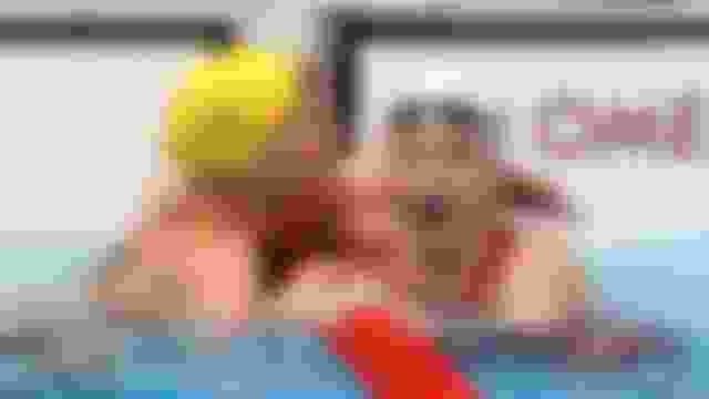 100 m papillon femmes : MacNeil se pare d'or, Wattel 6e