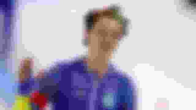Nils van der Poel breaks 10000m world record on final day of Worlds