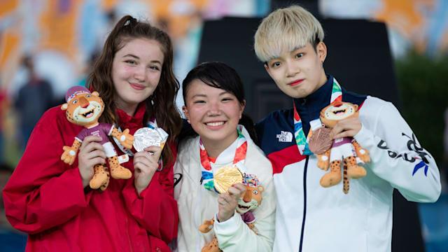 スポーツダンス女子個人で金メダルに輝いた河合来夢選手(中央)(Ian Walton/OIS)