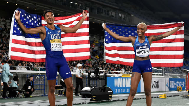 U.S.A duo Donovan Brazier and Ce'Aira Brown won the first-ever 2x2x400m event