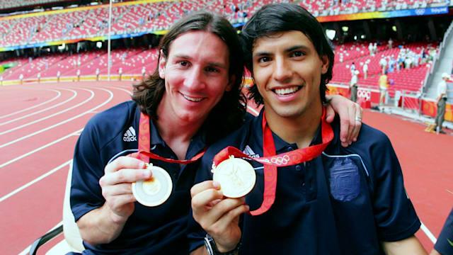 アルゼンチンのリオネル・メッシ(左)とセルヒオ・アグエロ(右)。2005年のワールドユースに続き世界制覇を成し遂げた