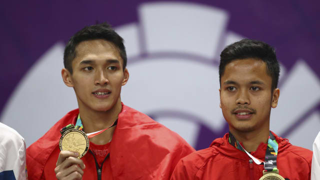 At the 2018 Asian Games, Anthony Sinisuka Ginting (RIGHT) took bronze behind gold medallist and fellow Indonesian Jonatan Christie (LEFT)