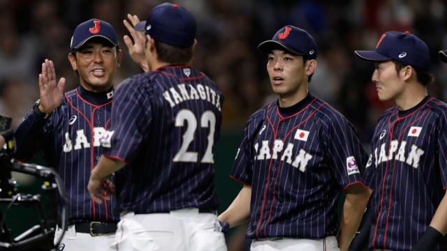 2020年の「侍ジャパン」を率いるのは稲葉篤紀(左端)。自身も選手としてオリンピックの舞台を経験している