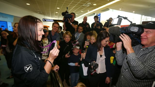 Sarah Walker arrives back in New Zealand after winning Olympic silver medal