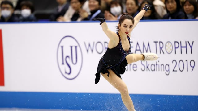 Russia's Elizaveta Tuktamysheva on her way to second place in the World Team Trophy short program