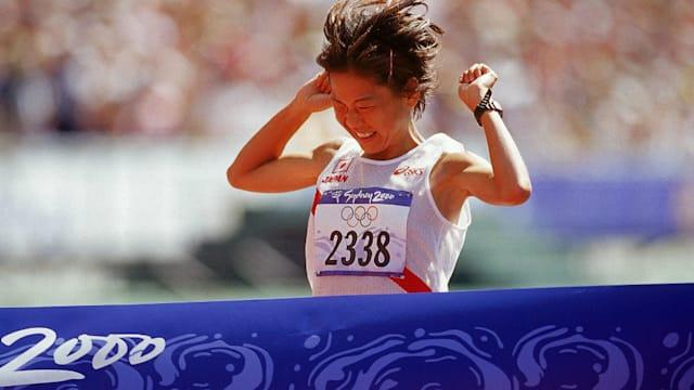 シドニー五輪の女子マラソンで金メダルを獲得。「すごく楽しい42キロでした」と話した