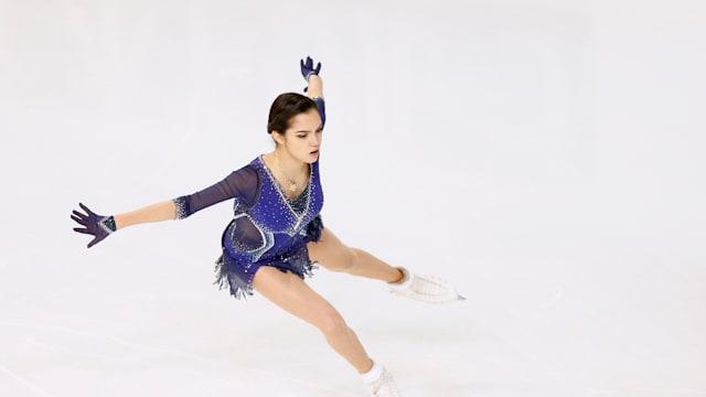 Evgenia Medvedeva during the free skate at 2018 Internationaux de France