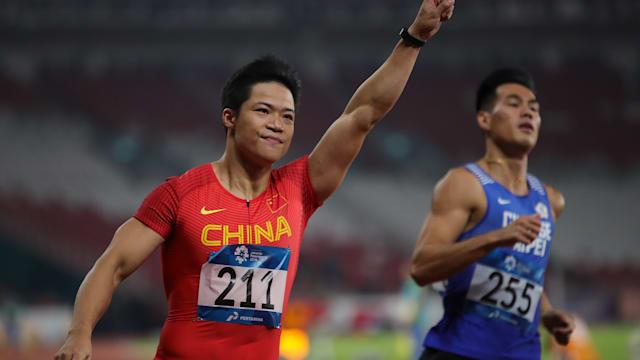 Su Bingtian wins the 100m at the 2018 Asian Games in Jakarta