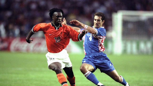 Igor Stimac challenges Holland's Clarence Seedorf during the World Cup third place play-off match at the Parc des Princes in Paris. Croatia won 2-1. 11 Jul 1998, Credit: Shaun Botterill /Allsport