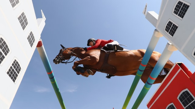 Lucy Davis of the United States rides Barron during the Team Jumping on Day 11 of the Rio 2016 Olympic Games at the Olympic Equestrian Centre on August 16, 2016 in Rio de Janeiro, Brazil. (Photo by Alexander Hassenstein/Getty Images)