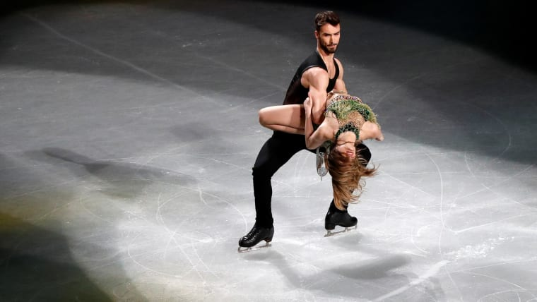 France's Gabriella Papadakis and Guillaume Cizeron perform during the gala exhibition. (REUTERS-Issei Kato)