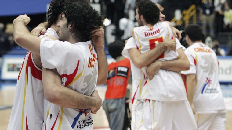 Players of Spain celebrate after beating Argentina by 75-74 at the 2006 FIBA World Championship semi-finals on 1 September 1 2006 in Saitama, Japan.