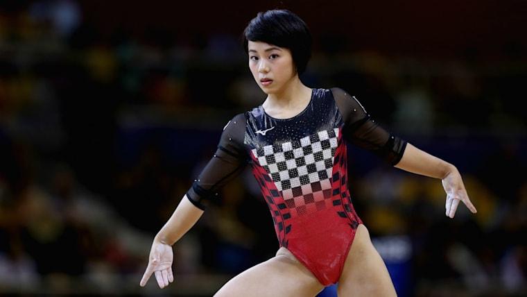2018年の世界選手権個人総合で銀メダルの村上茉愛は、2019年5月に両仙腸関節症を負いNHK杯大会中に棄権。10月に行われる世界選手権団体代表入りに暗雲が立ち込めた