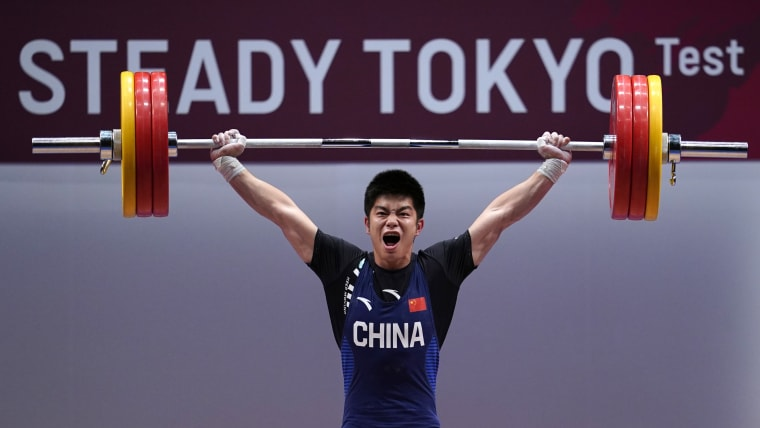 Huang Minhao sets a new snatch world record at the Tokyo 2020 test event on 6 July 2019