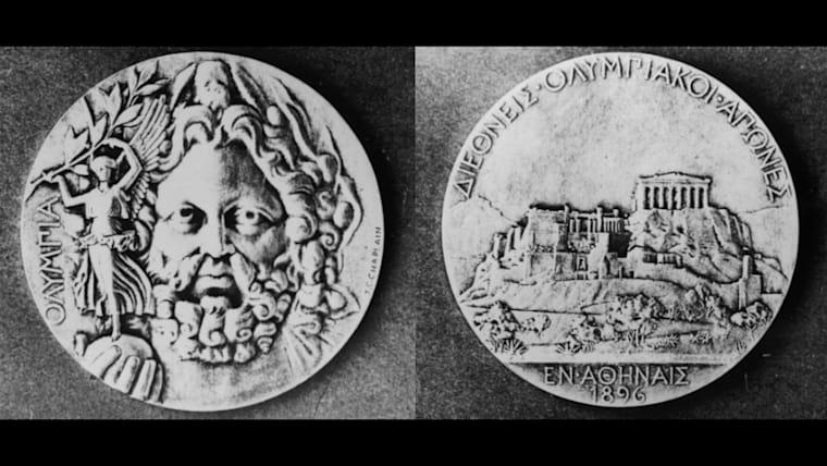 第1回アテネ五輪の優勝者に渡された銀メダル。フランスの彫刻家ジュール・シャプランがデザインを担当した