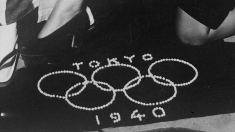 幻に終わった1940年の東京五輪では、すでにエンブレムやポスターに加え関連物も制作されていた