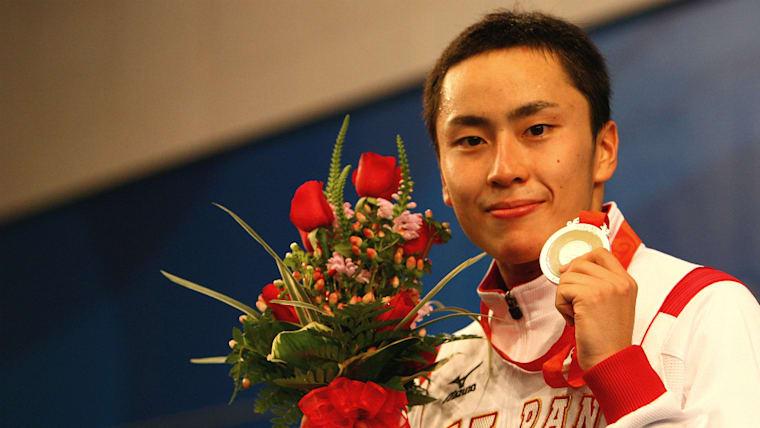 2008年北京五輪ではフルーレで2位に。日本フェンシング界に初のオリンピックメダルをもたらした