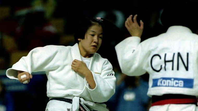田村亮子はオリンピック柔道では16歳331日の史上最年少メダリストとなった