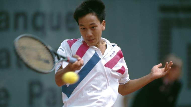 2013年から錦織の専属コーチを務めるマイケル・チャン。自身も優秀な選手で、17歳の若さで全米オープンを制覇している