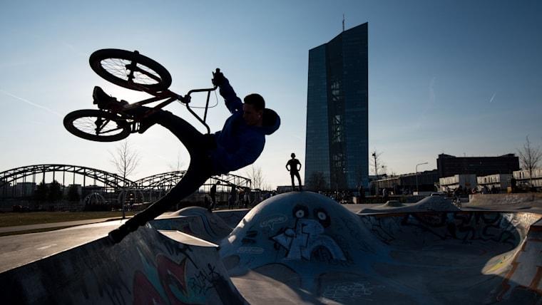 都市型スポーツとして人気を集めているBMXフリースタイル