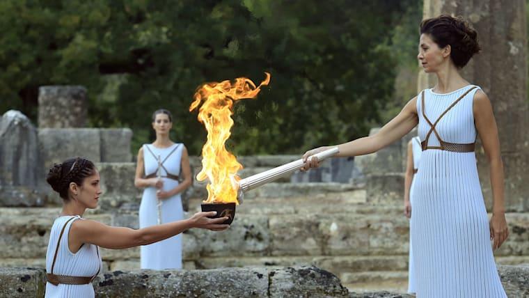 オリンピック聖火の点火は開会式のクライマックスとなる