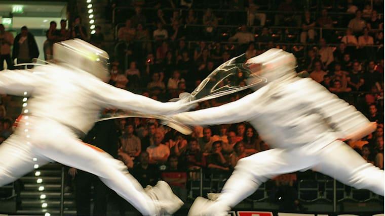 「スター・ウォーズのように剣で戦えてかっこいい」。松山少年はすぐにフェンシングにのめり込んだ