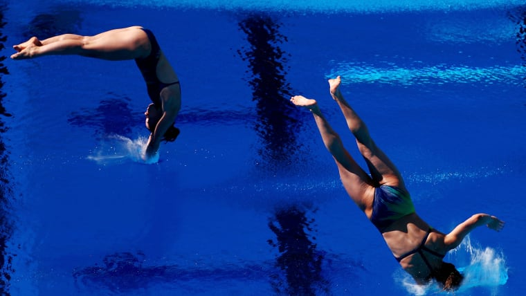 Maddison Keeney's dive goes wrong in the Women's Synchronised 3m Springboard Diving Final at the Gold Coast 2018 Commonwealth Games on April 11, 2018 in Australia. (Photo by Clive Rose/Getty Images)