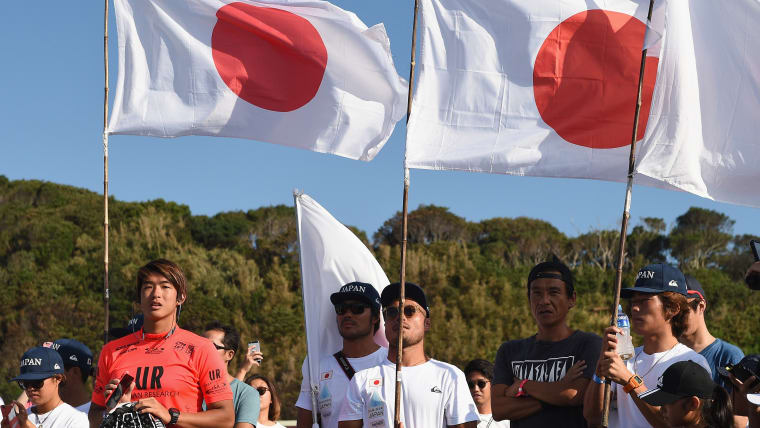アメリカと日本の二重国籍を持つ五十嵐だが、日本人としての意識が強い(写真左)