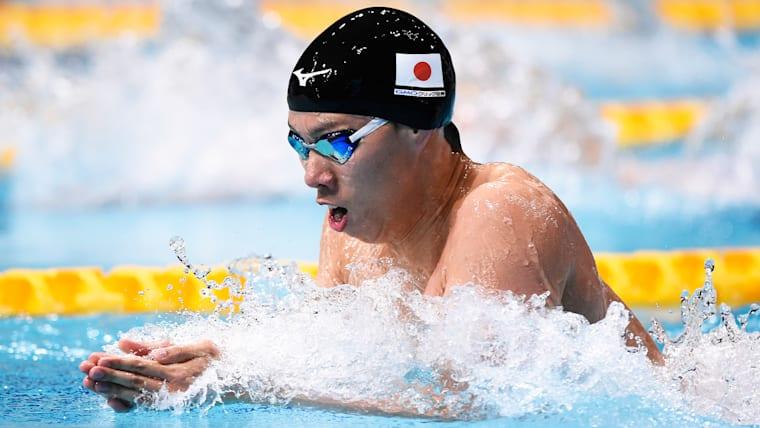 平泳ぎ200m世界記録保持者である渡辺一平は、さらなる高みを目指す