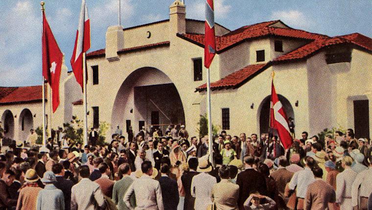 1932年のロサンゼルス五輪で「選手村」が正式採用。当時はまだ男子のみの利用だった