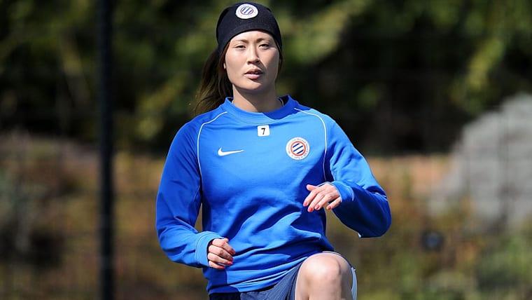 フランスのモンペリエHSCで経験を積み、現在はアメリカ女子リーグのシアトル・レインに籍を置く