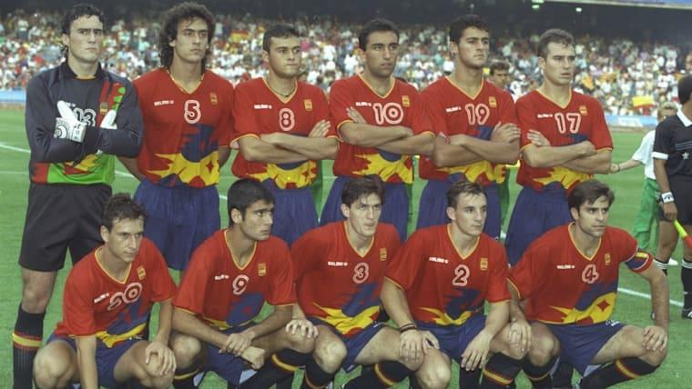 1992年のバルセロナ五輪では地元スペインが優勝。ジョゼップ・グアルディオラ(前列左から2人目)がチームをけん引した