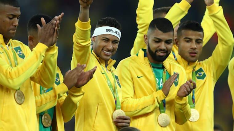 リオデジャネイロ五輪でブラジルはオリンピックで初の金メダルを獲得。ネイマール(右から3人目)の奮闘が光った