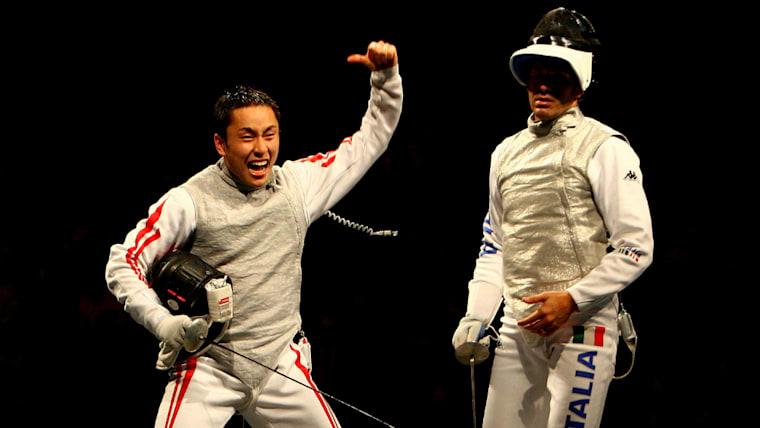 2008年、太田雄貴氏(左)は日本フェンシング界史上初のオリンピックメダルをもたらした