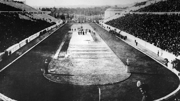 1896年五輪のスタジアム。近代オリンピックは「スポーツを通じて平和な世界の実現に寄与する」という理念のもとに始まった