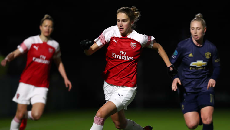 Dutch striker Vivianne Miedema in action for Arsenal against Manchester United