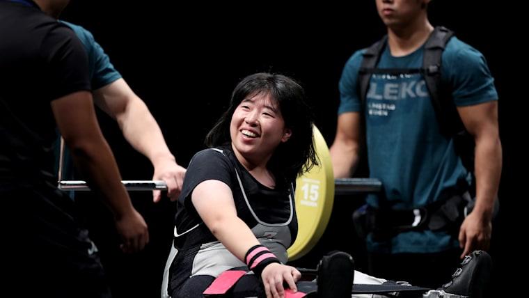 日本記録を上回り笑顔の森崎選手