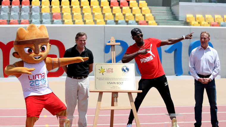 Bolt doing the 'Bolt' in Lima. (Photo by Raul Sifuentes/Getty Images)