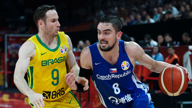 Tomas Satoransky #8 of Czech Republic drives against Marcelinho Huertas #9 Brazil during FIBA World Cup 2019 Group K match between Czech Republic and Brazil at Shenzhen Bay Sports Centre on September 7, 2019 in Shenzhen, China. (Photo by Lintao Zhang/Getty Images)